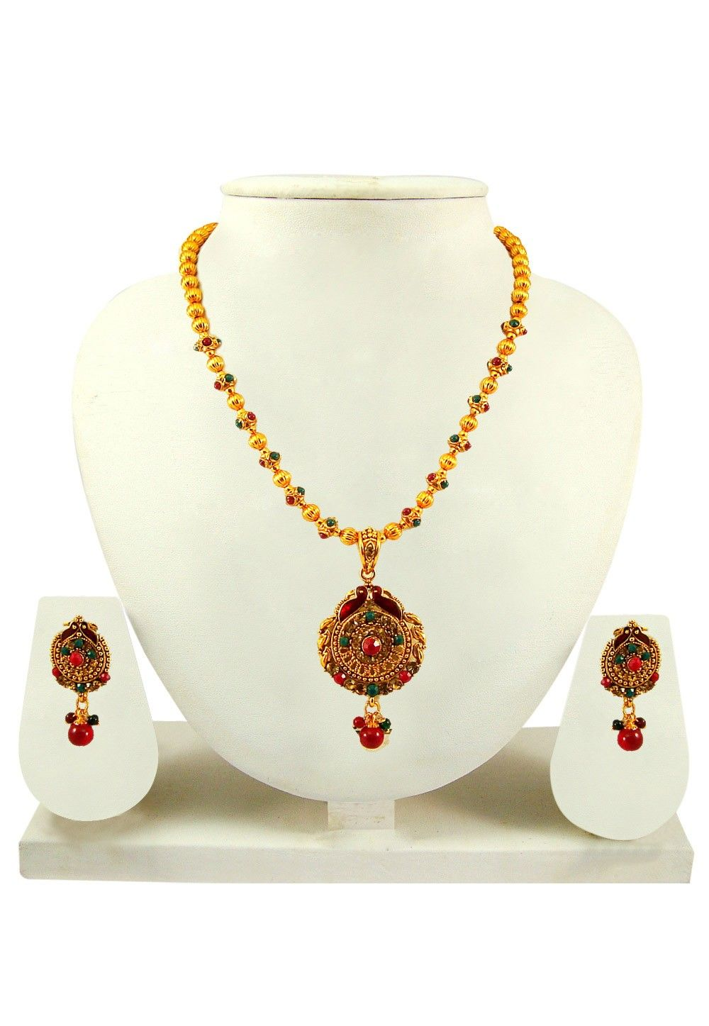 Stone Studded Necklace Set in Golden
