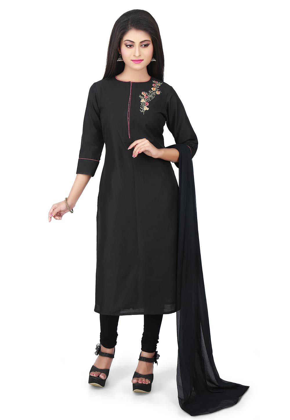 Plain Cotton Silk Straight Suit in Black