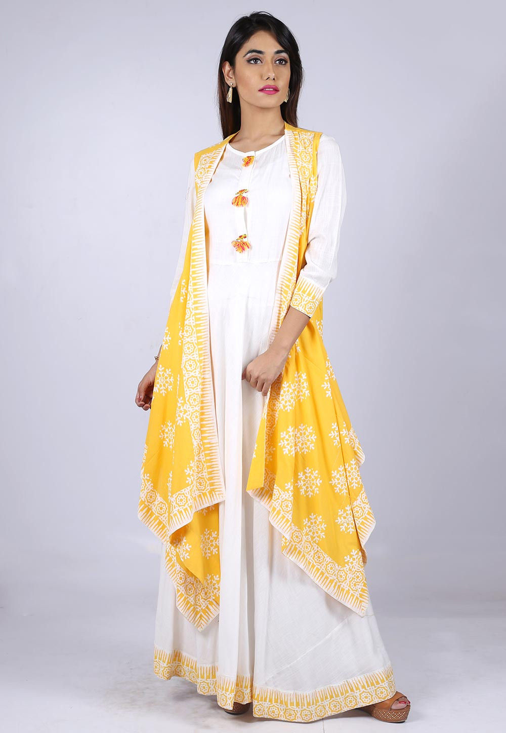 Block Printed Border Cotton Long Dress With Jacket In White Tqm24