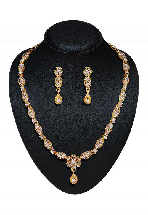 Stone Studded Necklace Set in White and Golden