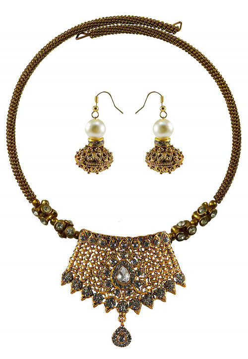 Stone Studded Adjustable Hasli Choker Necklace Set
