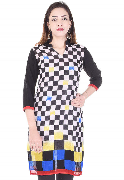 Printed Georgette Straight Kurti in Black and White