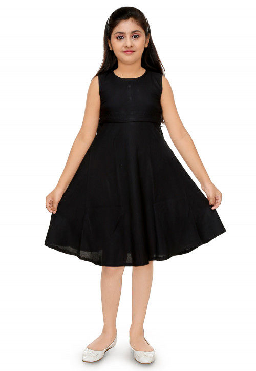 Solid Color Cotton Rayon Dress in Black