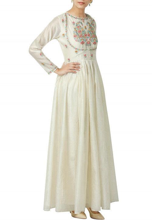 Embroidered Chanderi silk Kurta Set in Off White
