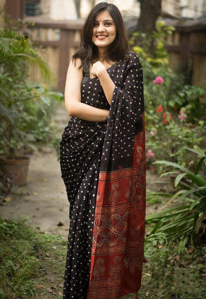 Bandhej Printed Art Silk Saree in Black