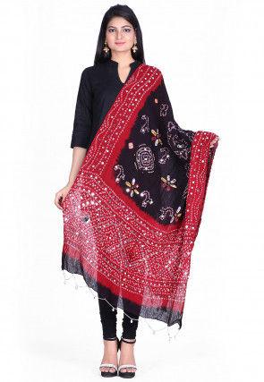 Bandhini Cotton Dupatta in Black and Maroon