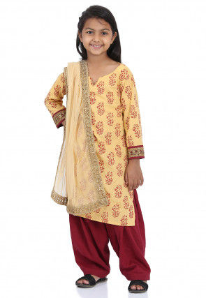 0575ea2782 Indian Kidswear: Buy Ethnic Dresses and Clothing for Boys & Girls