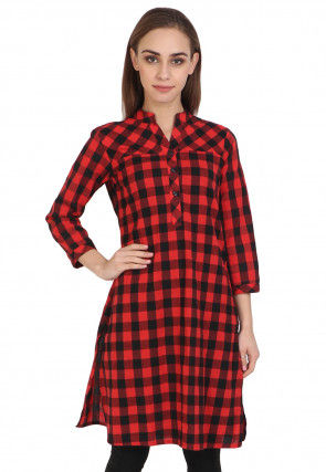 Check Printed Cotton Kurta in Red and Black