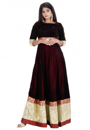 Contrast Border Velvet Flared Gown in Wine