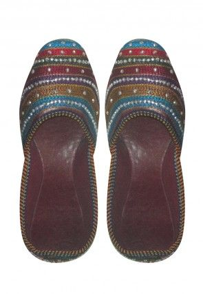 Embroidered Leather Mojaris in Maroon