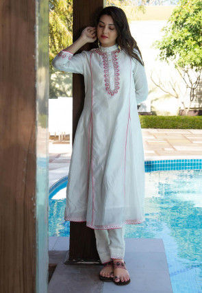 Embroidered Chanderi Silk Kurta with Pant in Off White