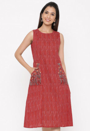 Embroidered Cotton Jacquard Sheath Dress in Maroon