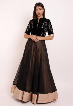 Embroidered Georgette Kurta Set in Black