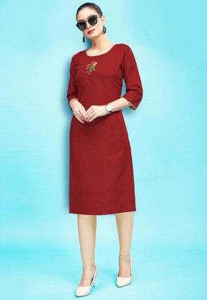 Embroidered Rayon Kurta with Leggings in Maroon