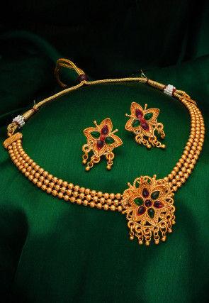 Golden Polished Choker Necklace Set