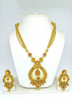 Golden Polished Necklace Set