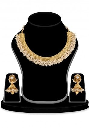 Pearl Necklace Set in Golden and White