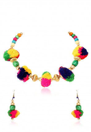 Alloy based Necklace Set in Multicolor