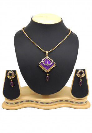 Stone Studded Pendant Set