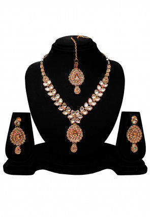 Kundan Studded Necklace Set
