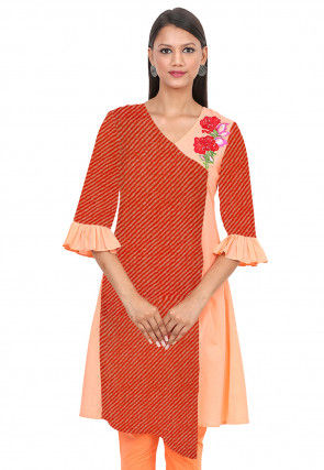 Leheriya Printed Cotton Asymmetric Kurta in Red and Peach