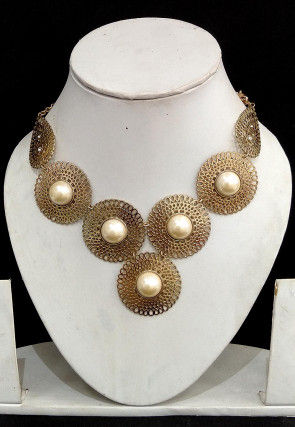 Pearl Metallic Necklace