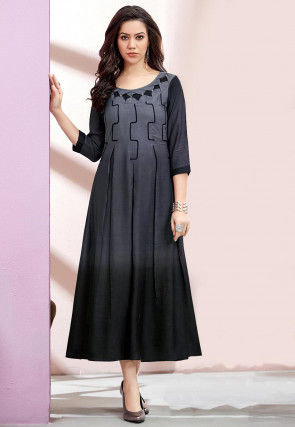 Pleated Rayon Slub Pleated Kurta in Grey and Black Ombre