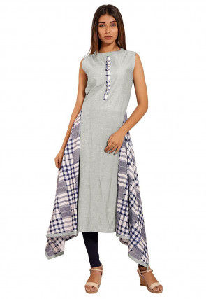 Printed Chambray Side Drop Kurta in Light Grey