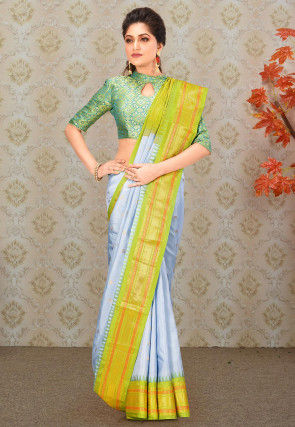 Pure Gadwal Silk Handloom Saree in Light Grey