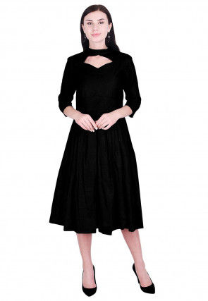 Solid Color Art Silk Pleated Dress in Black
