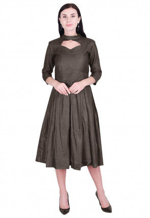 Solid Color Art Silk Pleated Dress in Grey