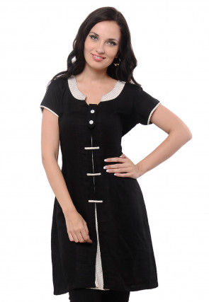 Solid Color Crepe Tunic in Black
