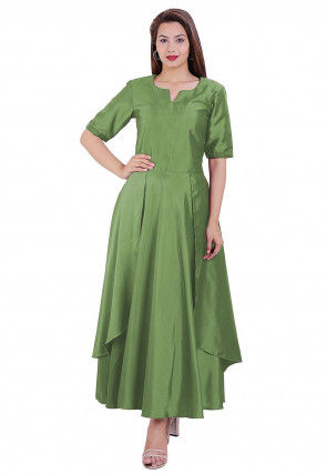 Solid Color Satin Layered Kurta in Light Green