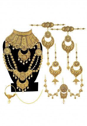 Stone Studded Bridal Necklace Set