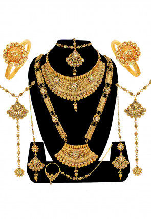 cdf2c00cf1d Jewelry Online: Buy Traditional Indian Jewellery | Utsav Fashion