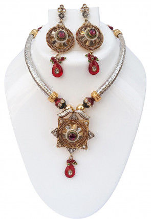 Stone Studded Hasli Necklace Set