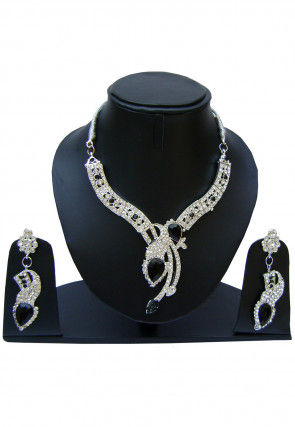 Stone Studded Necklace Set