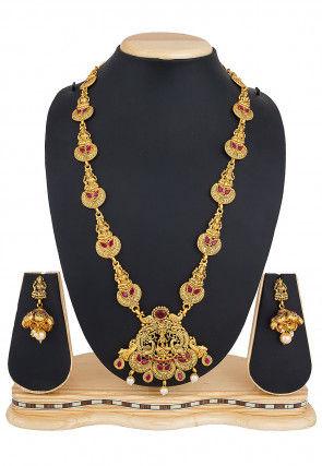 Stone Studded Temple Necklace Set