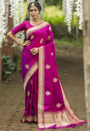 Woven Art Silk Saree in Magenta