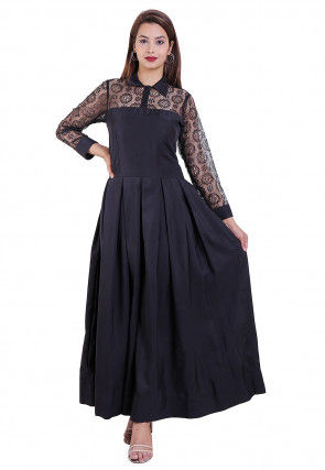 Woven Crepe Pleated Dress in Black